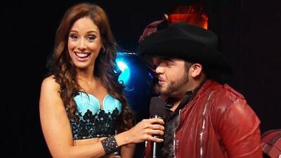 Gerardo Ortiz estuvo muy coqueto con Aleyda