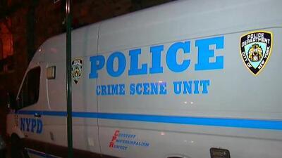 'Nueva York en un Minuto': autoridades investigan la muerte de una mujer que fue encontrada con un rosario en la garganta en El Bronx