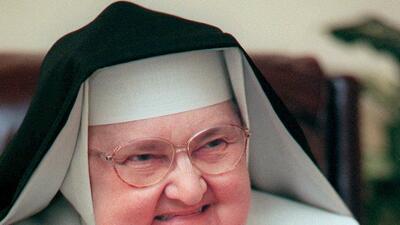 Muere la madre Mary Angelica, fundadora de una red de medios televisivos católicos