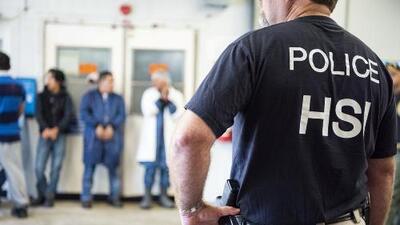 ¿Cuáles son los derechos de los inmigrantes arrestados en una redada de ICE como la de Mississippi?