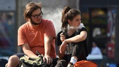 Un californiano de 40 años es la séptima víctima de la grave enfermedad pulmonar asociada a los cigarrillos electrónicos