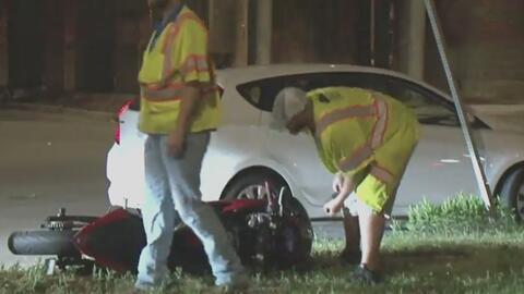 Conductor que atropelló a un motociclista huyó de la escena y es buscado por la policía