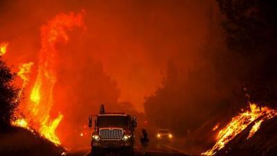 Incendios en California han arrasado con superficie similar a 27,000 campos de fútbol
