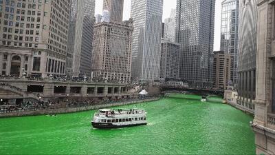 ¿Quién creó el colorante secreto que usan para poner verde al Río Chicago el Día de San Patricio?