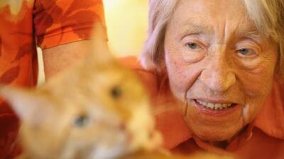 Solos y envejeciendo: quién cuida a los adultos mayores sin familia