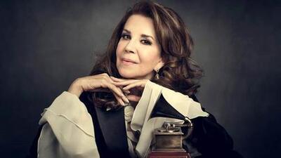 """""""La música no solo tiende puentes, también derriba muros"""": Guadalupe Pineda"""