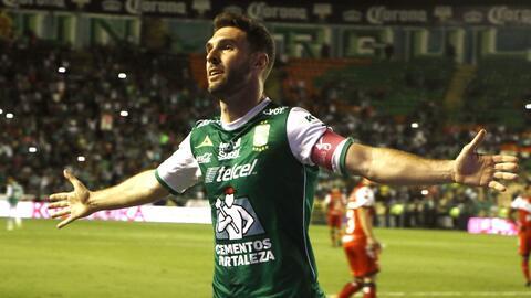 Mauro Boselli va por su 'hat trick' en títulos de goleo