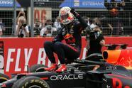 Sergio 'Checo' Pérez logra subir al podio en la Formula 1 junto a su compañero de Red Bull, Max Verstappen, y Lewis Hamilton. El mexicano llegó en tercera posición, mientas que el piloto británico se adjudicó la segunda plaza. El neerlandés fue campeón del Gran Premio de Francia y fue nombrado piloto del día.