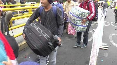 Ecuador exige visas a los venezolanos para entrar al país y la frontera colapsa