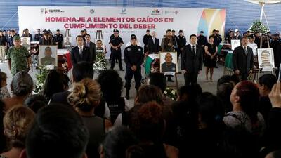 Dolor, desesperación e ira tras el asesinato de 13 policías que fueron emboscados en México