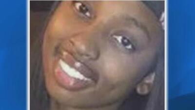 Encuentran el cuerpo de una joven de 19 años en congelador de un hotel de suburbio de Chicago