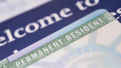Gobierno de Trump planea negar residencia o ciudadanía a inmigrantes legales que hayan usado beneficios públicos
