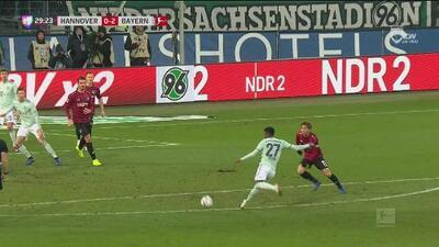 ¡GO-LA-ZO! Alaba puso la pelota en el ángulo para el 0-2 ante el Hannover