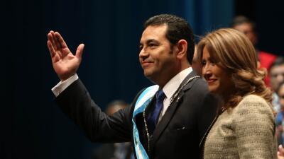 Jimmy Morales asume como presidente de Guatemala