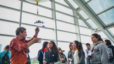 El planetario Adler invita a la comunidad de Chicago a celebrar la herencia hispana en familia