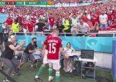 ¿Celebró o se enojó? Fiola avienta todo en su festejo de gol
