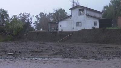 Las lluvias torrenciales dejan estragos en la ciudad de Lake Elsinore