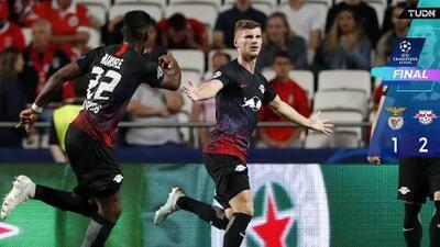 Con gran noche de Werner, Leipzig le pegó al Benfica