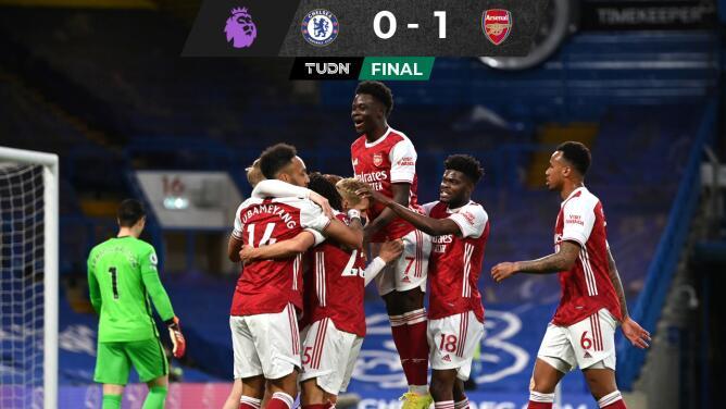 Arsenal le pega al Chelsea con gol anulado a Pulisic