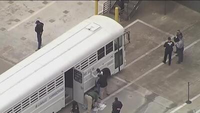 Más de 100 de los inmigrantes detenidos en una redada de ICE en Texas ya están en libertad