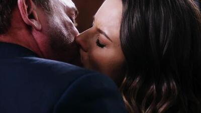 Lorena le confesó a Gustavo su amor y lo besó apasionadamente