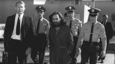 En disputa la herencia del criminal serial Charles Manson: su imagen, canciones y cadáver
