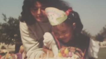 Una madre hispana descubre sin querer que toda su vida había sido una mentira