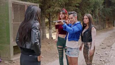 Rosario fue amenazada de muerte por Andrómeda y sus amigas