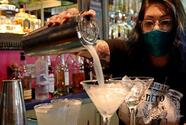 Bexar County bars that do not serve food ordered closed due to increase in coronavirus cases