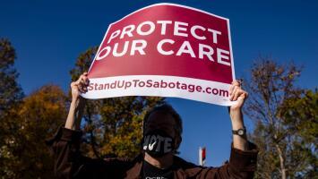 Dos jueces conservadores de la Corte Suprema sugieren que no están listos para eliminar por completo Obamacare