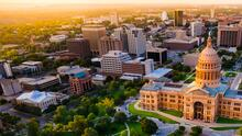 Escucha Amor 107.7 en Austin