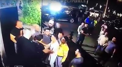 Paso a paso: así fue la pelea con guardias de seguridad que dejó muerto a luchador de MMA