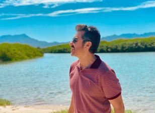 Adrián Uribe disfruta de las bellezas de Sonora