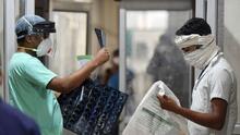 La potencialmente mortal infección del 'hongo negro' que ataca a pacientes con covid-19 en India