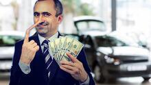 Si vas a comprar un carro, no caigas en estas mentiras que dicen los vendedores