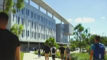 Existe un programa con miles de dólares disponibles en becas universitarias para los dreamers en el sur de Florida