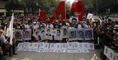 Autoridades mexicanas identifican los restos de uno de los 43 estudiantes de Ayotzinapa
