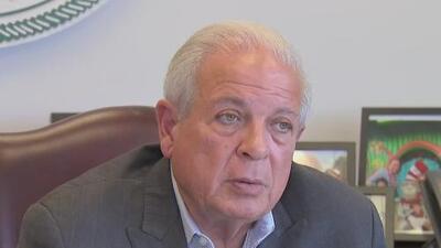 Tomás Regalado, exalcalde de Miami, renuncia a la dirección de Radio y TV Martí