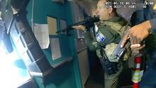 """""""Veo la pistola en su mano"""": así fue la respuesta de los primeros oficiales que llegaron al tiroteo en el VTA"""