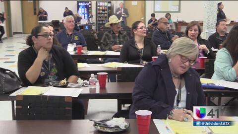 Programa acerca a residentes a la vida de un oficial de policía