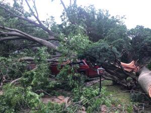El Servicio Nacional Meteorológico confirmó que un tornado tocó tierra en la ciudad de Denton