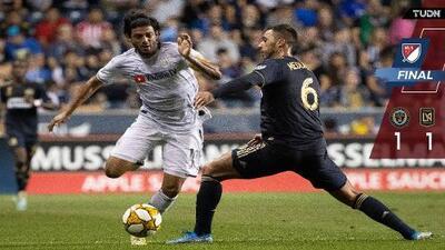 ¡Volvió encendido! Carlos Vela reapareció con gol y se puso a tres goles del récord de Josef Martínez