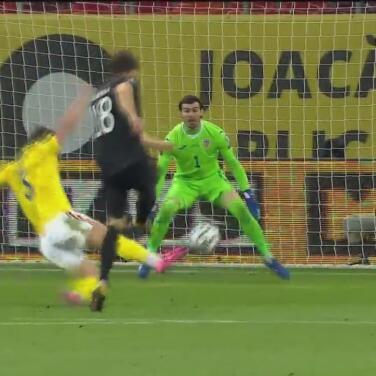 ¡Atajadón! Florin Nita evita el segundo de Alemania