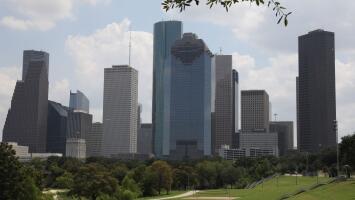 Houston se prepara para recibir un sábado con condiciones frescas y lluvia ligera