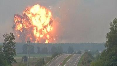 En video: La explosión de un depósito militar de municiones