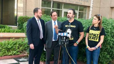 """Familiares de las víctimas de Parkland consideran """"ridícula"""" la indemnización que propone la junta escolar"""