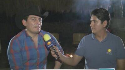 José Manuel Figueroa hizo una ofrenda para su padre Joan Sebastian