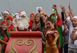 Thalía llegó con todo y Santa a Despierta América