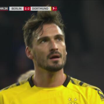 ¡Se va antes de tiempo! Hummels es expulsado ante inminente ataque del Hertha