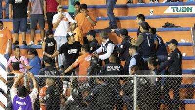 Se desata la violencia tras el Correcaminos vs Chivas